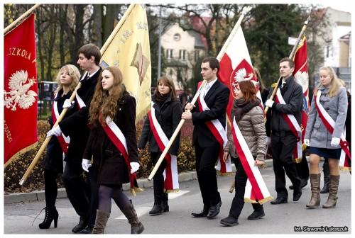 Święto Niepodległości wLęborku zudziałem Dyrektora szkoły orazuczniów ZSMI