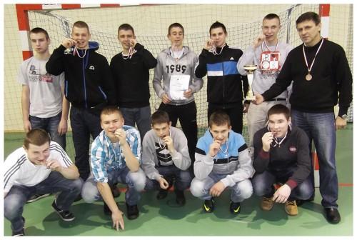 Chłopcy zlęborskiego ZSMI trzecią szkołą wwojewództwie pomorskim wfutsalu